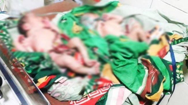 Heboh Bayi Laki Kembar Dibuang Ortunya di Tempat Pembuangan Sampah, Badan Kotor Penuh Sampah