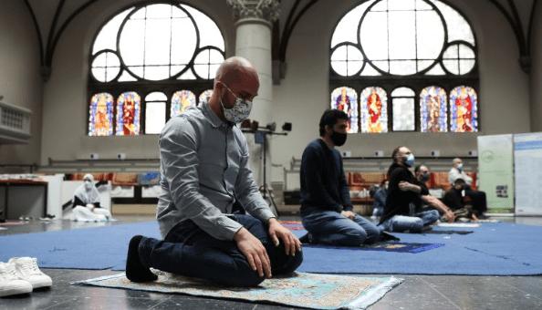 Gereja di Jerman Dibuka Untuk Umat Muslim Salat