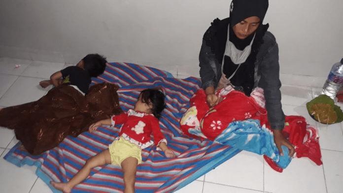 Ibu Mualaf Bersama 2 Anaknya Terlantar di SPBU - Piladang - Sumbar