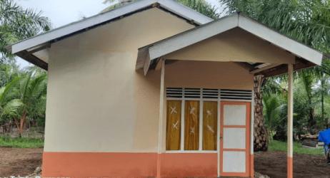 15 Tahun Hidup di Gubuk Tua, Kini Ijab Punya Rumah Baru yang Dibangun Polsek Linggo Sari Baganti