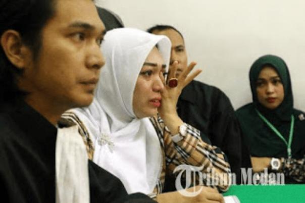 Pasal Karet UU ITE Nyiram Air Keras 1 Tahun, Nagih Utang Divonis 2 Tahun Penjara