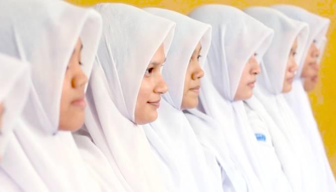 Kota Padang Tetap Terapkan Jilbab untuk Siswi yang Muslim