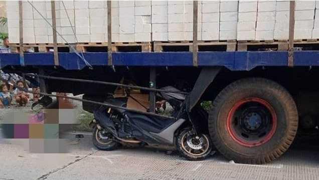 Motor Sampai Masuk ke Bawah Truk, Ayah Ini Tewas Kecelakaan Saat Mau Temui Putrinya