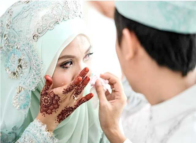 HATI-HATI, Ini Bahayanya Apabila Suami Lebih Mengutamakan Ibunya Daripada Istri_copy