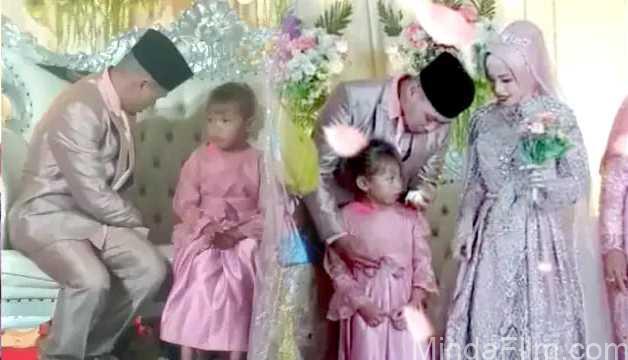 Anak Perempuan Saksikan Ayahnya Menikah Lagi ok